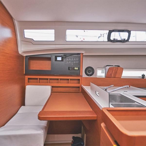 Jeanneau Sun Odyssey 410 vitorlásbérlés | Füredyacht Charter