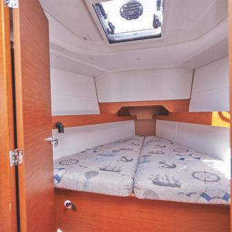 Jeanneau Sun Odyssey 349 vitorlásbérlés   Füredyacht Charter