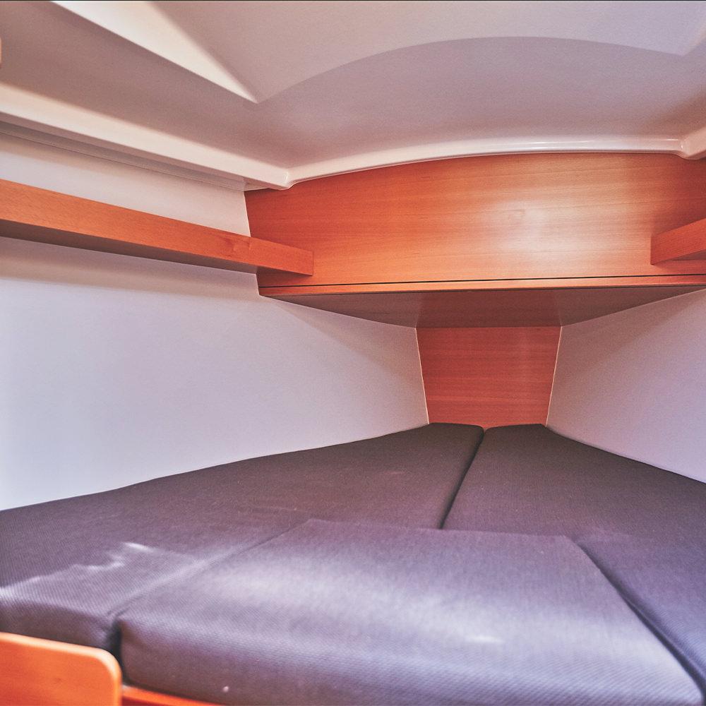 Jeanneau Sun Odyssey 319 vitorlásbérlés | Füredyacht Charter
